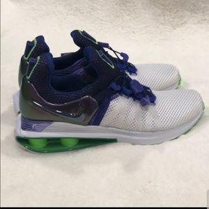 BNWT Nike Shox Gravity
